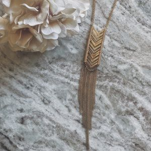 """COSTUME JEWELRY 13"""" GOLD NECKLACE"""